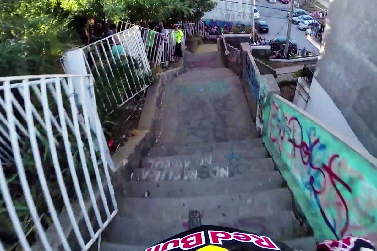 insane-urban-dh-mountain-bike-pov