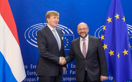 King Willem-Alexander and Martin Schulz